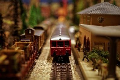 model-train-1146828_1920 - Copy.jpg