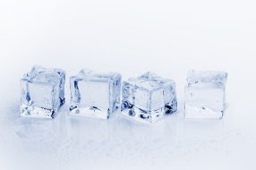 ice-cubes-3506781_1280 - Copy