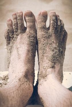feet-691805_1280 - Copy